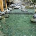 御所の湯の岩風呂