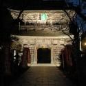 温泉寺山門のライトアップ