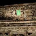 夜の温泉寺山門
