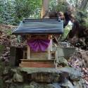 温泉寺参道の祠