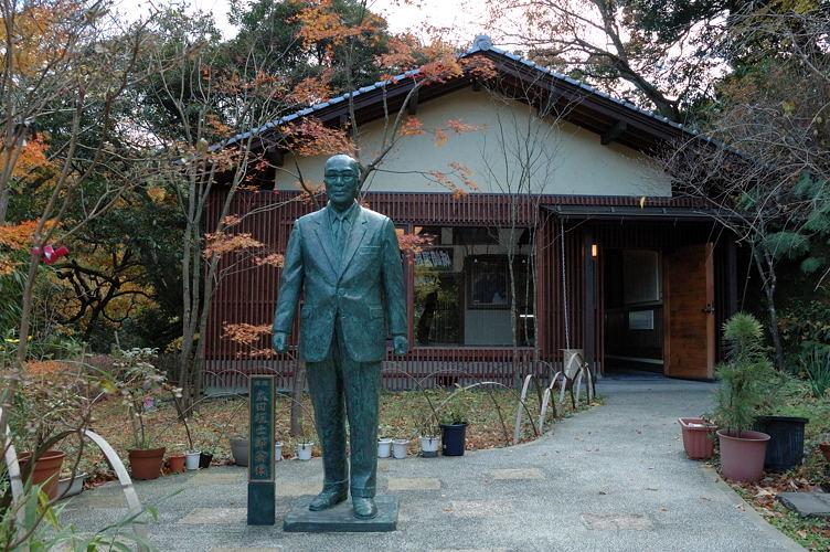 太田垣士郎