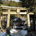 雪の残る四所神社