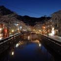日没直後の温泉街